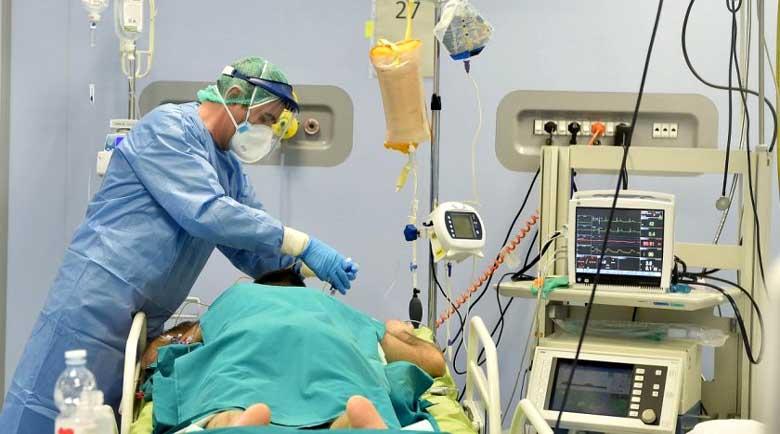Лекар от Острова: Изключваме апаратите на болните от COVID-19