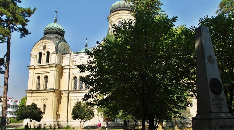 Срамота! Обраха втория по големина храм в България