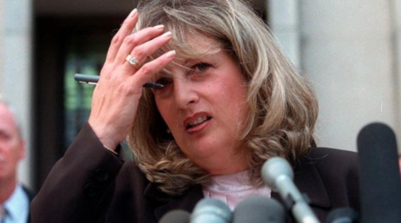"""Почина Линда Трип, която """"изпя"""" Клинтън и Моника Люински"""