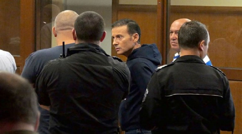 Грешка, грешка… Миню Стайков натопил конкуренти, обаче арестували него