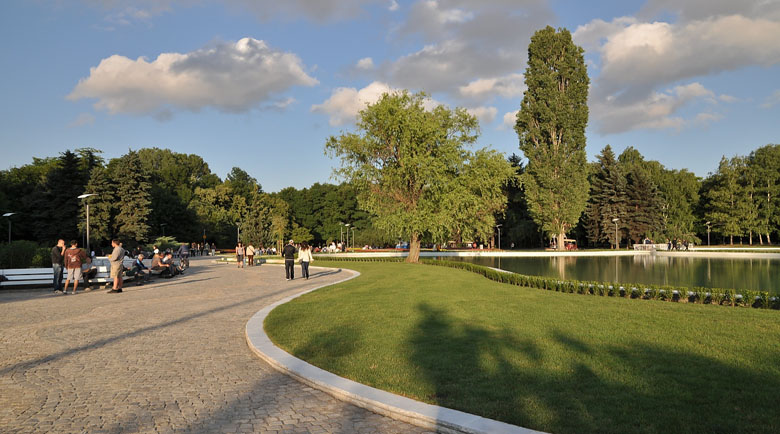 Софиянци плъзват в парковете след Великден
