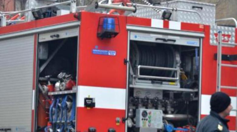 Пожар в цех в село Казичене, двама пострадали