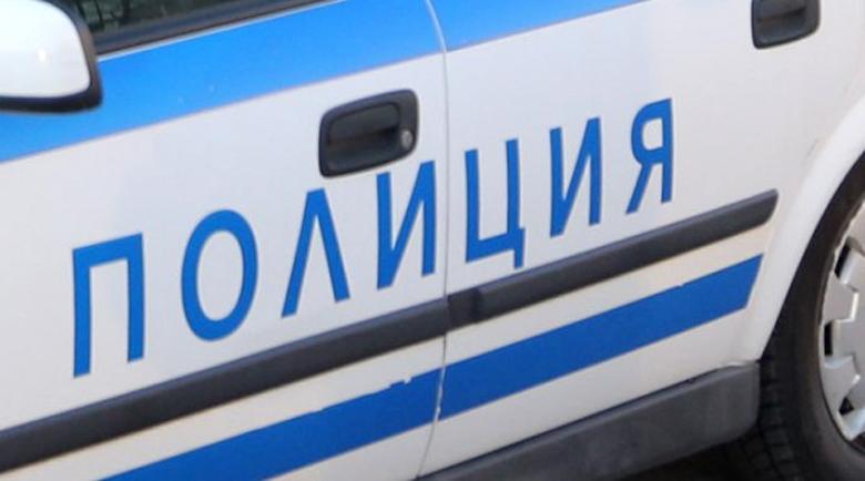 Пиян бургазлия налетя с дървен кол на полицай