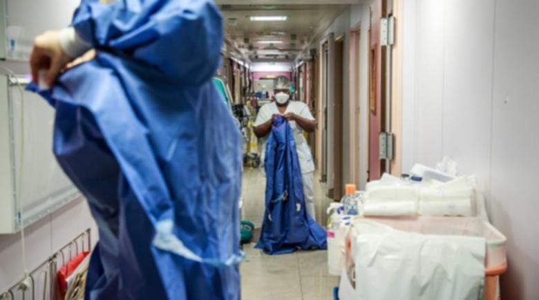 Лекари: 30 дни живяхме в COVID отделение, виждахме децата си само през терасата