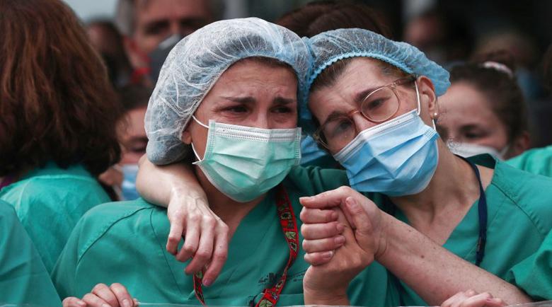 Над 600 медицински сестри са починали от COVID-19 в света