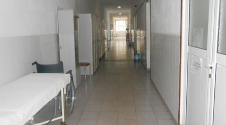 Лекар спаси жена, припаднала на стълбите в болницата в Пазарджик