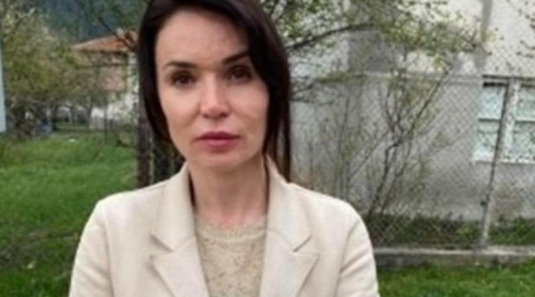 Надрусан шофьор смаза от бой адвокатка пред децата й