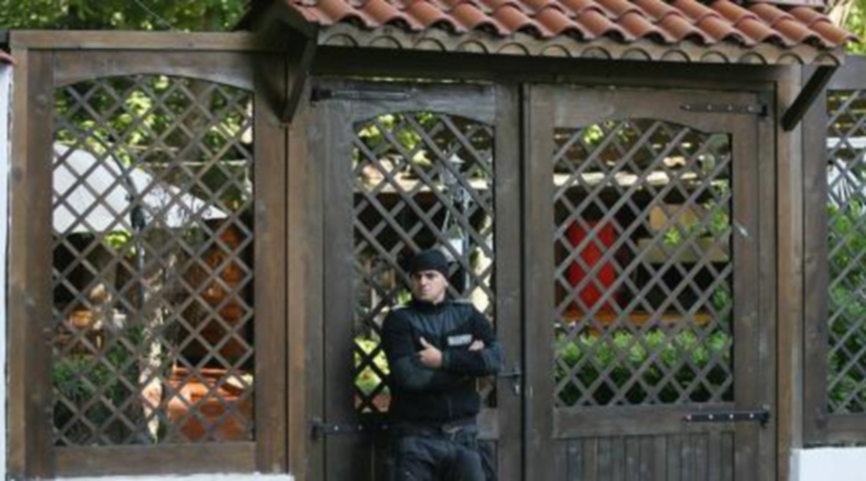 Влизане с взлом и изстрели в популярно столично заведение
