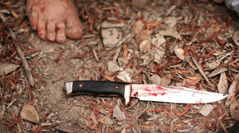 Клошар намушка с нож в корема клиент на магазин в Разград