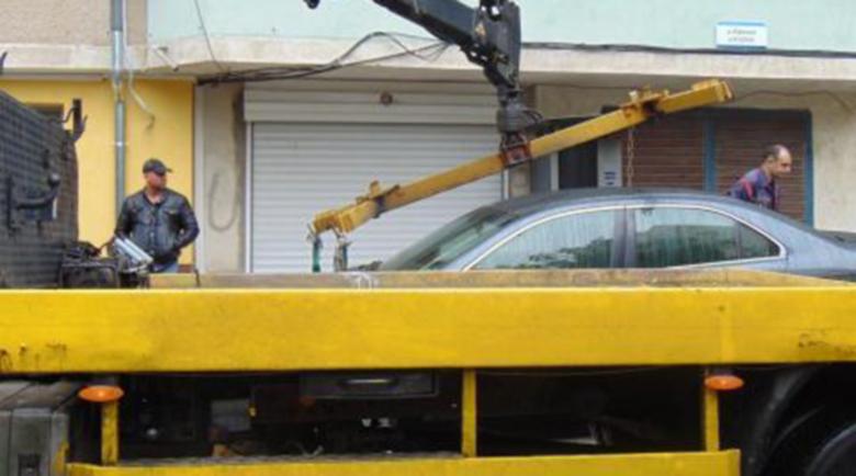"""Варненка бесня в наказателния паркинг, нарече служителите """"мърши"""" и """"боклуци"""""""