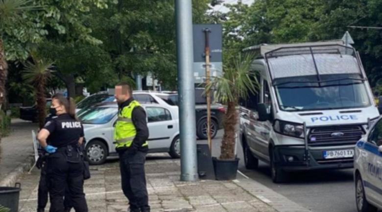 Отстраниха полицая, участвал в сбиването с феновете на Локо (Пд), имало и втори