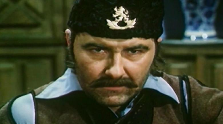 Измамници събират пари за големия актьор Васил Михайлов за операция на очите