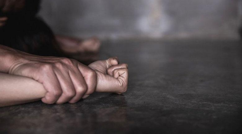 Жертва на Зеки: 15 дни бях заключена в банята, биеше ме и ме гореше…