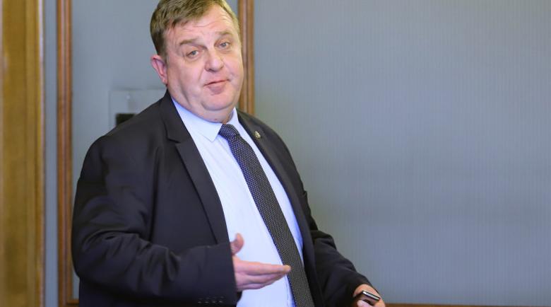 Каракачанов призна: Кум съм на Пламен Бобоков и кръстник на трите му деца