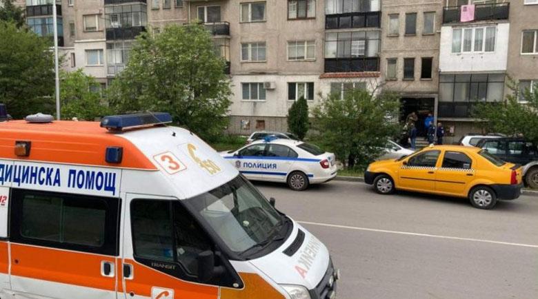 Погребаха жертвите на двойното убийство в Казанлък