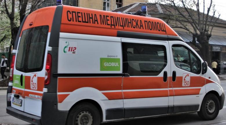 Арматурно желязо затрупа работник в София, състоянието му е тежко