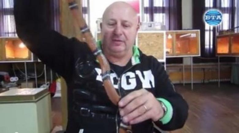 Най-отровната в света! Черна мамба ухапа лекар от Хасково