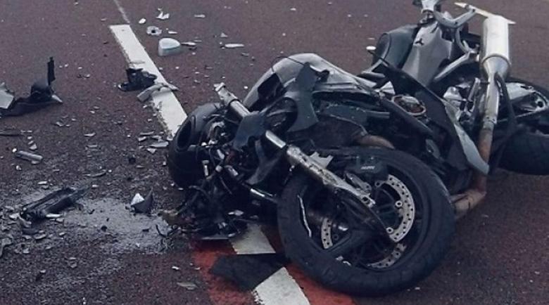 Надрусан моторист се заби челно в кола край Пловдив