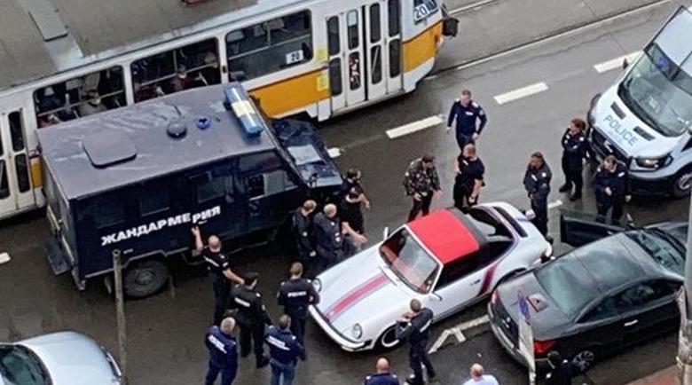 След гонка с ченгетата: Спряха обявено за издирване Порше