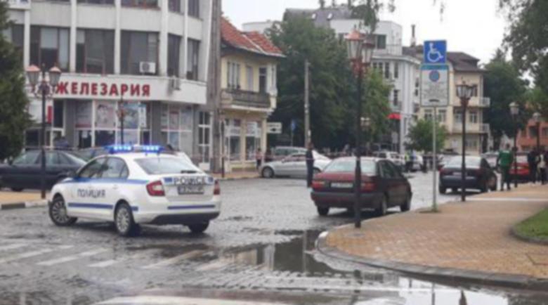 Пуснаха у дома дрогирания, прегазил жена в Самоков