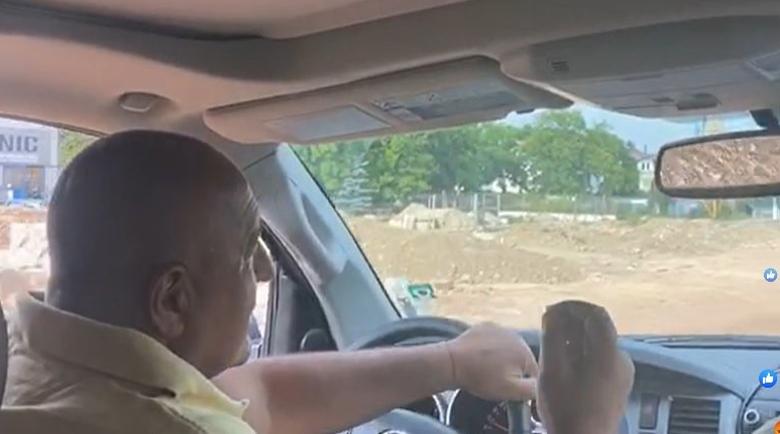 """А вие си плащайте! НСО вози премиера (той сам шофира) на джипка без """"Гражданска отговорност""""!"""