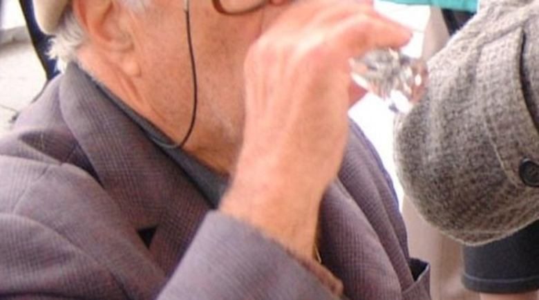 """Наквасен дядо подкара """"Жигула""""-та във Видинско, отнесе акт"""