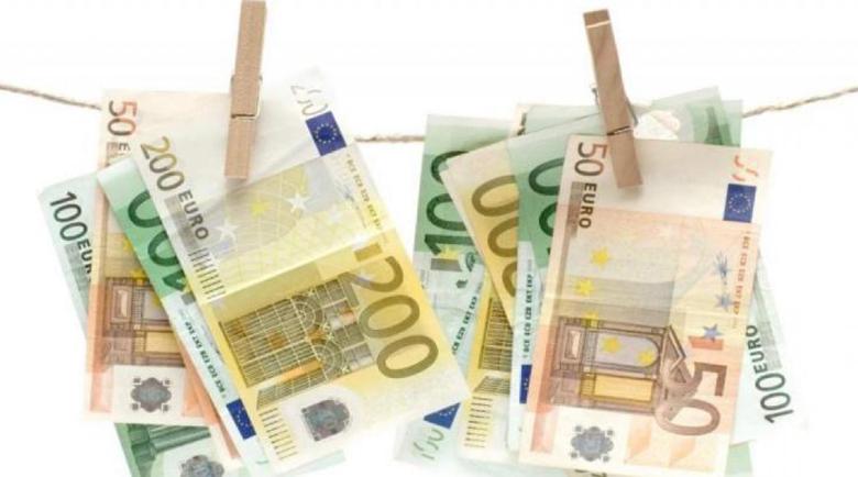 Македонец измамен с банкнота от 100 евро на магистралата