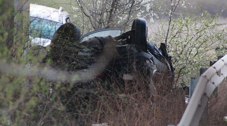 Пътничка загина при тежка катастрофа край Павел баня