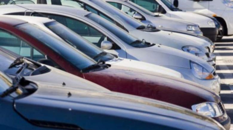 Бизнесмен предложил 40 000 лв. подкуп, за да се потули вноса на 255 коли