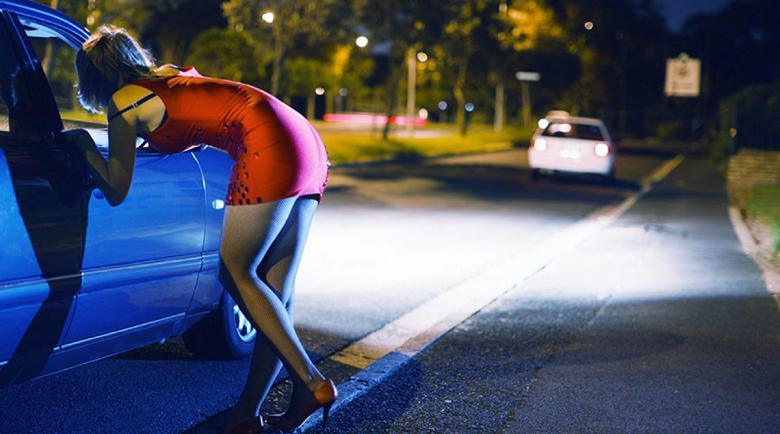 Проститутка дрогира и ограби мъж във Варна