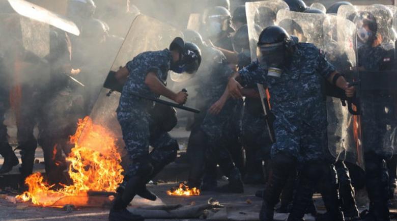 Кръв се лее в Бейрут, стотици ранени и арестувани