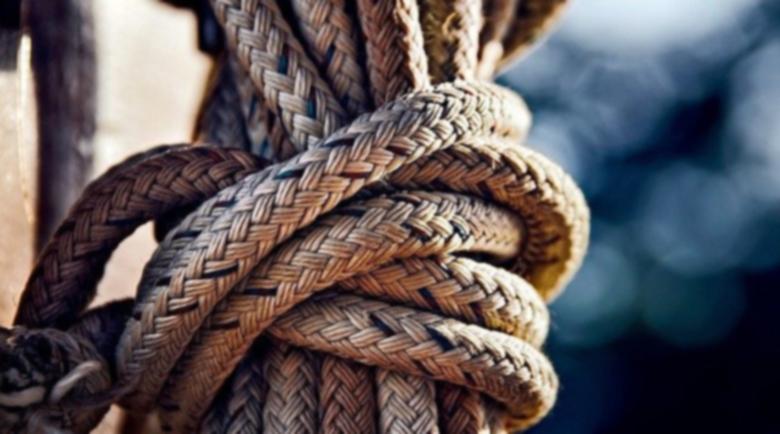 Мъка и болка: Син откри баща си на бесилото