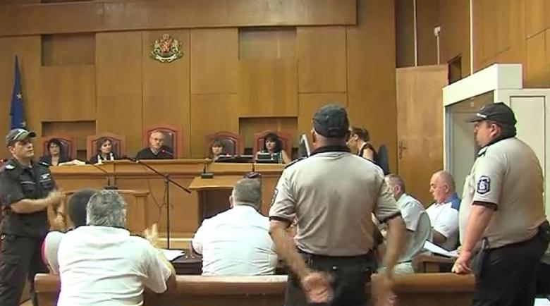 Четири години затвор заради грабеж на жена в Добрич