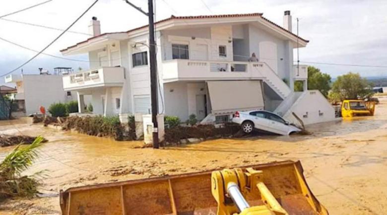 Потоп уби петима на гръцки остров