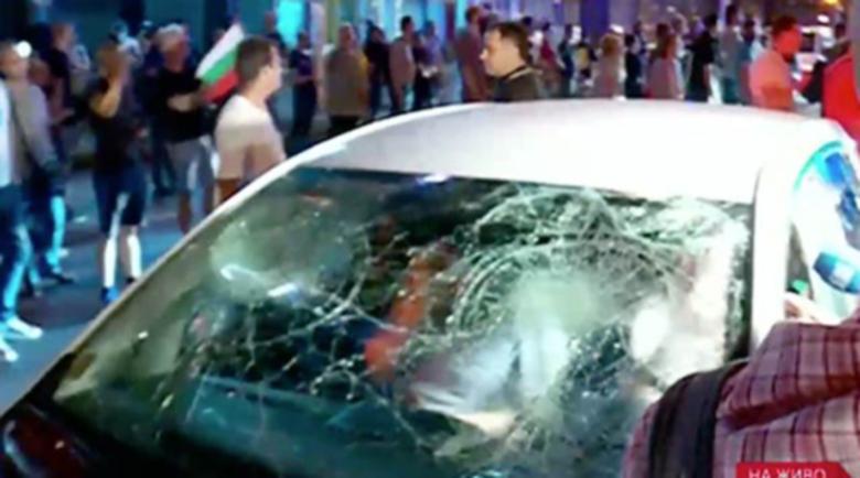 """Съдят двама, удряли колата на жената с децата при протеста на """"Ситняково"""""""