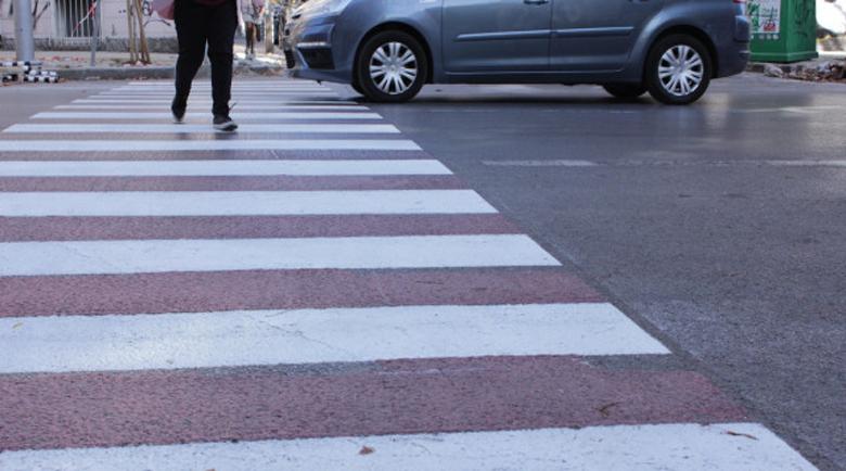 Шофьор помете жена на пешеходна пътекa в София