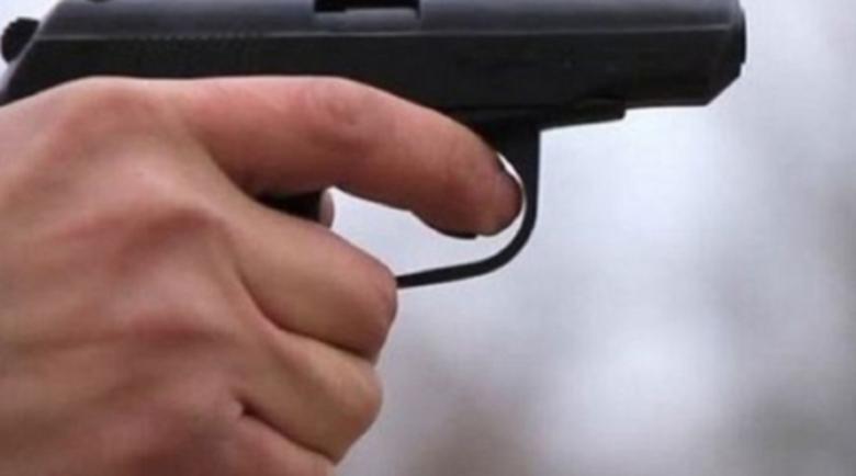 На косъм от трагедия: Арестуваха мъж, извадил пистолет на съседи