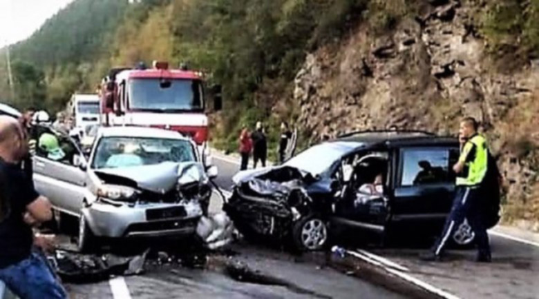Оперираха 40-годишната жена, ранена в катастрофата край Реброво