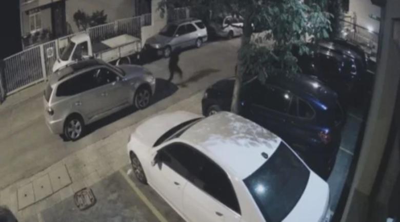 Софиянци от баровски квартал изпищяха, крадат от кецове до коли
