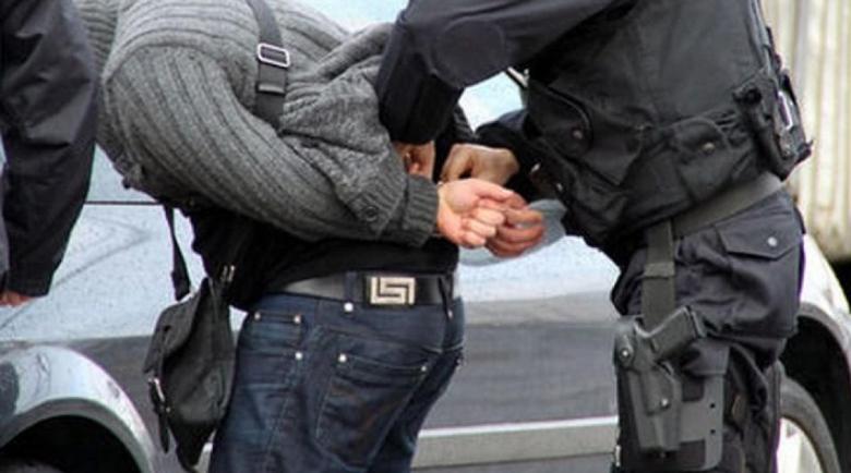 Зрелищна спецакция в Пловдив: Спипаха наркодилър да търси клиенти до гимназия