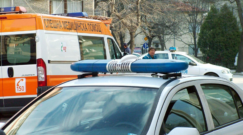 Пиян русенец избуши от носилката фелдшер от Спешна помощ