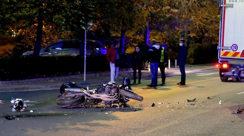 """Моторист пострада тежко след удар в камион на """"Искърско шосе"""""""