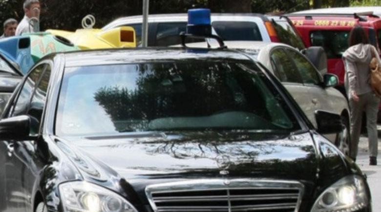 Нова драма с кола на НСО: Сокол се заби в мерцедеса на министър Ангелов