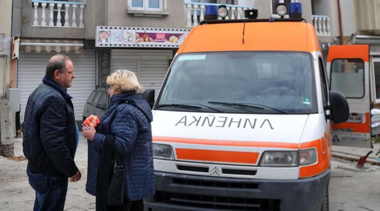 В Сливенско: Мъж се простреля в главата, жена се обеси