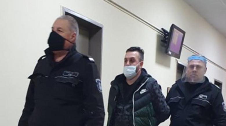 """Пловдивският Ястребовски, """"ужилил"""" любовницата си с над 250 бона, ще чака делото си в затвора"""