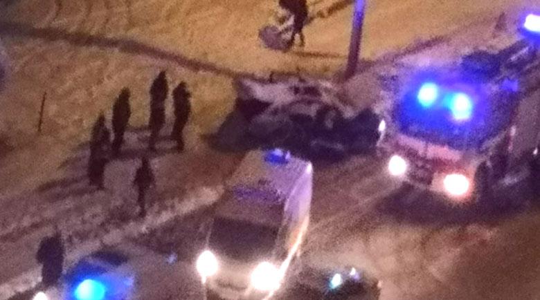 Младежи избягаха след адска катастрофа в снежната столица