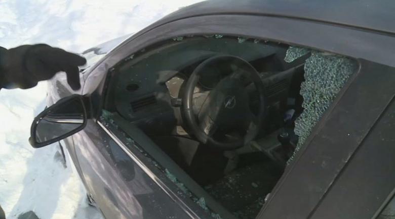 Разбиват закъсали в преспите автомобили във Варненско