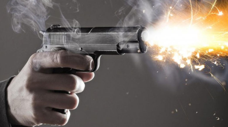 Юнаци! Ученици стрелят с пистолет на купон в Лясковец