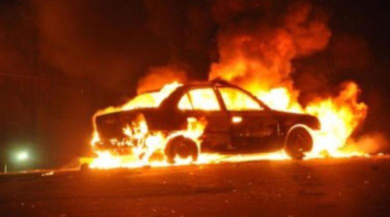 Ужасяващо! Страшно пиян мъж изгоря в колата си