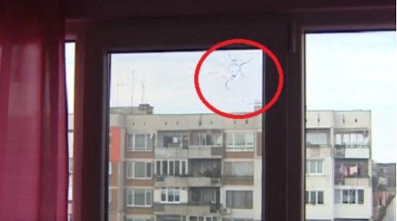 Среднощна стрелба по апартамент в София